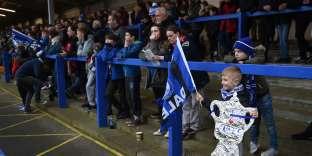 Des supporteurs de Rochdale, avant le match contre Tottenham, le 18 février 2018.