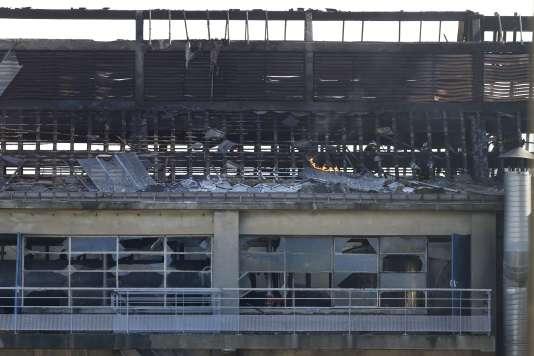 L'usine de traitement d'huile Saipol de Dieppe (Seine-Maritime), après l'explosion et l'incendie qui a suivi, le17 février.