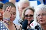 Emma Gonzalez, une lycéenne survivante de la tuerie de Parkland a prononcé un discours contre le lobby des armes, le 17 février àFort Lauderdale, en Floride.