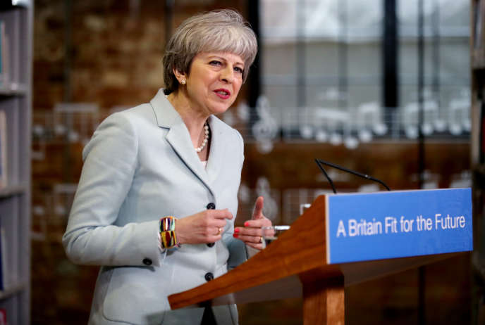 Theresa May àDerby College, le 19 février 2018.
