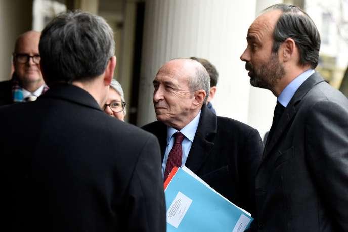 Le ministre de l'intérieur, Gérard Collomb, et le premier ministre, Edouard Philippe, à Lyon, le 19 février.