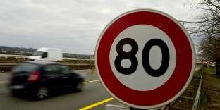Dès juillet, la vitesse maximale autorisée passera de 90 à 80 km/h sur les routes secondaires.