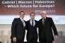 Jürgen Habermas avec le candidat à la présidentielle française Emmanuel Macron et le ministre allemand des affaires étrangères, Sigmar Gabriel, à Berlin, le 16 mars 2017.