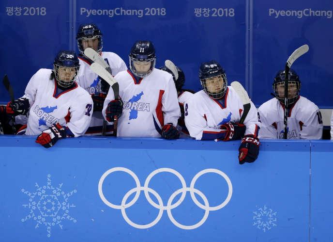 Les joueuses de la Corée unifiée lors du match face au Japon, dimanche 18 février.