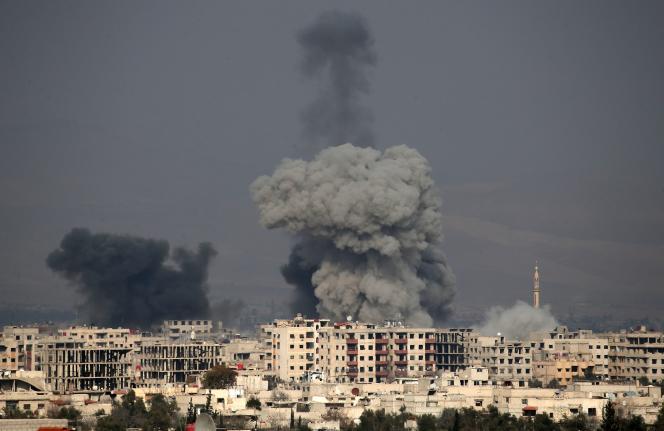 Après une frappe aérienne sur une partie de la Ghouta orientale, le 20février en Syrie.