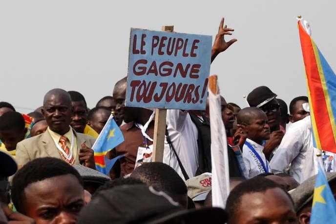 «Kinshasa Makambo», un documentaire deDieudo Hamadi projeté à la 68e Berlinale.