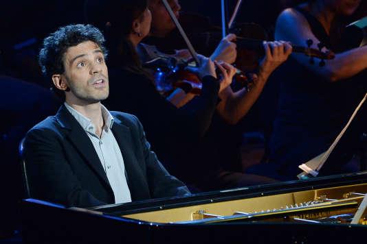 Le pianiste Adam Laloum lors de la cérémonie des 21es Victoires de la musique classique à Aix-en-Provence en février 2014.