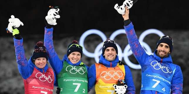 Le relais tricolore victorieux : Marie Dorin Habert, Anaïs Bescond, Simon Desthieux et Martin Fourcade.