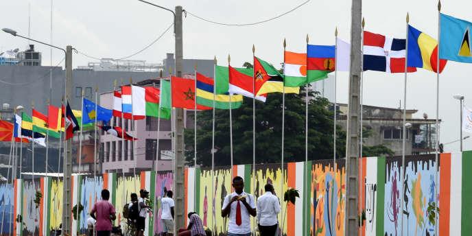 Devant le stade Houphouët-Boigny d'Abidjan, où se sont déroulés les Jeux de la Francophonie en juillet 2017.
