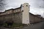 Devant le centre pénitentiaire de Fresnes (Val-de-Marne), le 15 janvier 2018.