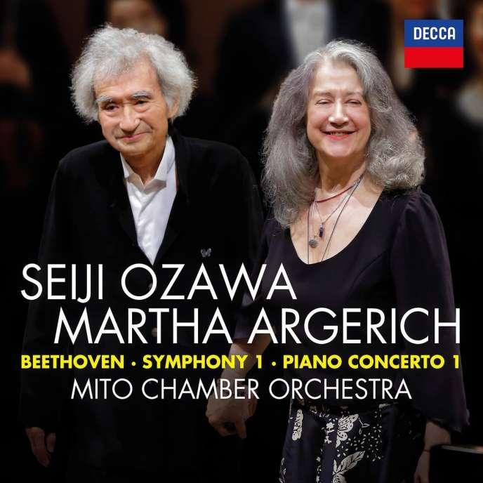 Pochette de l'album «Symphonie n° 1 – Concerto pour piano et orchestre en ut majeur», de Ludwig van Beethoven par Martha Argerich (piano), Mito Chamber Orchestra, Seiji Ozawa (direction).