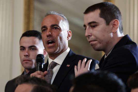 Andrew Pollack, père d'une victime de la tuerie du lycée de Parkland, le 21 février à la Maison Blanche.