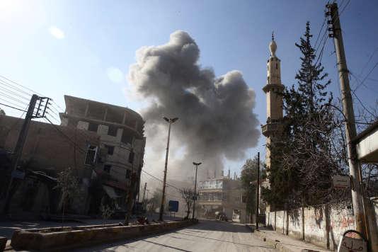 Des avions de combat ont bombardé, vendredi, l'enclave rebelle de la Ghouta orientale, près de Damas, pour le sixième jour consécutif.