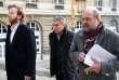 Jérôme Cahuzac (au centre) et ses avocats, Eric Dupond-Moretti (à droite) et Antoine Vey, arrivent au Palais de justice de Paris, le 21 février.