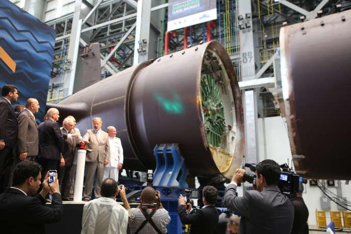 Lancement del'assemblage final du premier sous-marin construit au Brésil, à Itaguaï (Etat de Rio), le20 février.