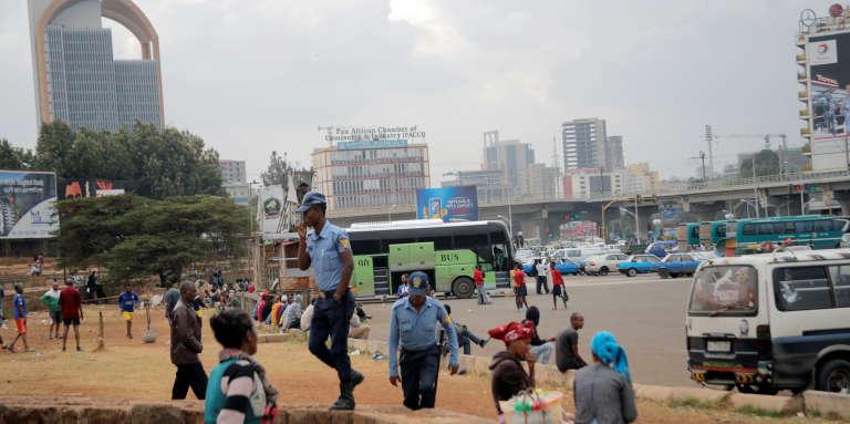 Des policiers éthiopiens à Meskel Square, à Addis-Abeba, le 21février 2018.