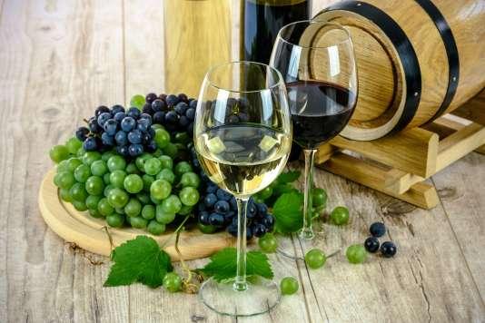 Notre sélection de vins du Rhône se concentre sur les blancs du Nord et sur les rouges du Sud.