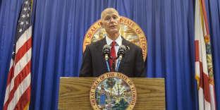 Le gouverneur de Floride Rick Scott dévoile ses propositions lors d'une conférence de presse àTallahassee, en Floride, le 23 février.