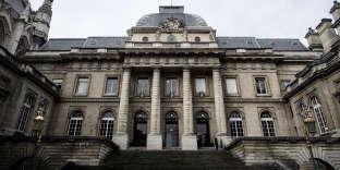 Devant le Palais de justice de Paris, en janvier 2018.