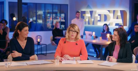 Capture d'écran du premier « 20 heures » du «Média», diffusé lundi 15 janvier et présenté par Aude Rossigneux (au centre).