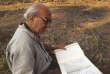 Claude Jacques au travail à Koh Ker, capitale royale du Xe siècle, au nord-est d'Angkor, au Cambodge, en 2000.