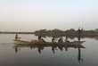 Des pêcheurs sur le lac Tchad dans la région de Bagasola (Tchad) , en mai 2017.