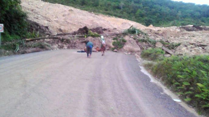 En Papouasie-Nouvelle-Guinée, une coulée de boue après le tremblement de terre de magnitude 7,5 qui a frappé le pays, le 26 février.