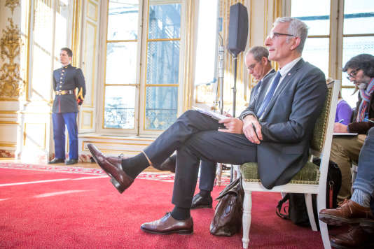 Guillaume Pepy, PDG de la SNCF, et Patrick Jeantet, PDG de la SNCF Réseau, lors d'une conférence de presse sur la réforme du système ferroviaire à l'Hôtel Matignon à Paris, lundi 26 février.