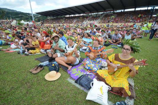 6 302 Polynésiens ont gratté en chœur leur ukulélé à Papeete, le 25 février 2018.