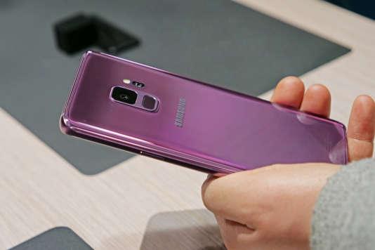 Le S9 sera proposé dans trois coloris : noir, bleu, et rose.