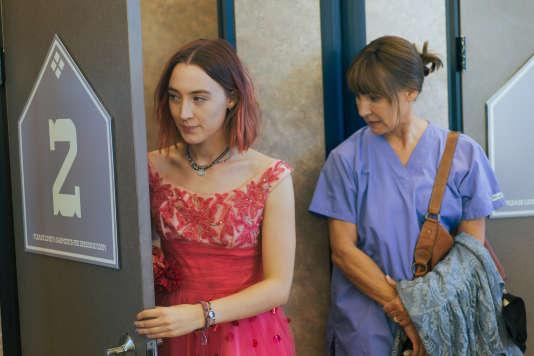 Saoirse Ronan(à gauche) et Laurie Metcalfdans le film américain deGreta Gerwig,«Lady Bird».