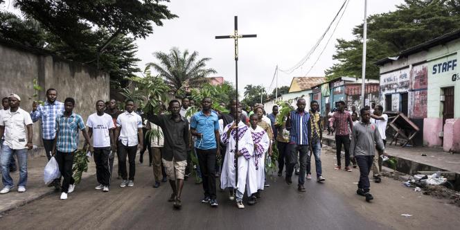 Des catholiques manifestent contre le président congolais, Joseph Kabila, à Kinshasa, le 25février 2018.