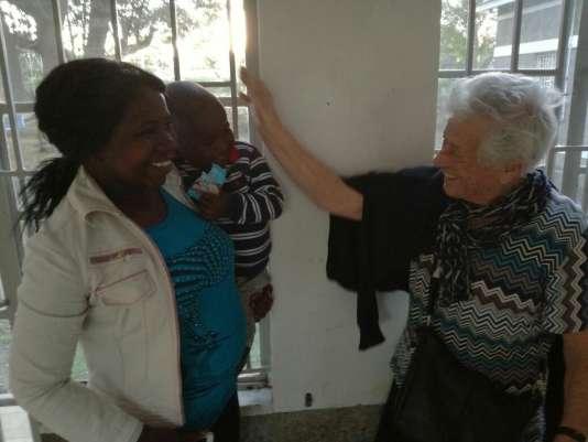 « Nonna Irma », une grand-mère italienne bénévole dans un orphelinat au Kenya.