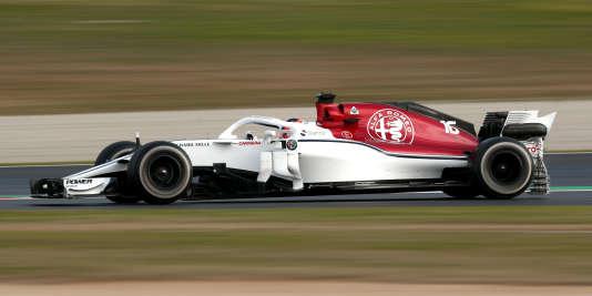 Nouvelle alliance Alfa Romeo-Sauber et nouveau pilote, le Monégasque Charles Leclerc, sur la piste catalane le 27 février.