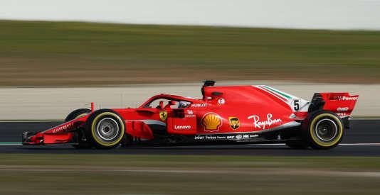 La SF71H de profil, pilotée par l'Allemand Sébastien Vettel lors des essais sur le circuit de Montmelo (Espagne), le 27 février.