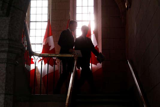Le Premier ministre du Canada Justin Trudeau et son ministre des finances Bill Morneau à la sortie du vote sur le budget, le 27 février.