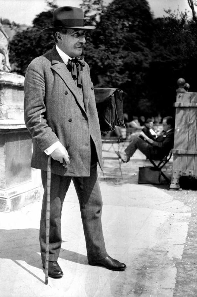 Le philosophe Alain (1868-1951), vers 1935.