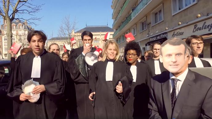 Capture d'écran de la vidéo publiée sur Facebook par les avocats du barreau du Havre, le 27février.