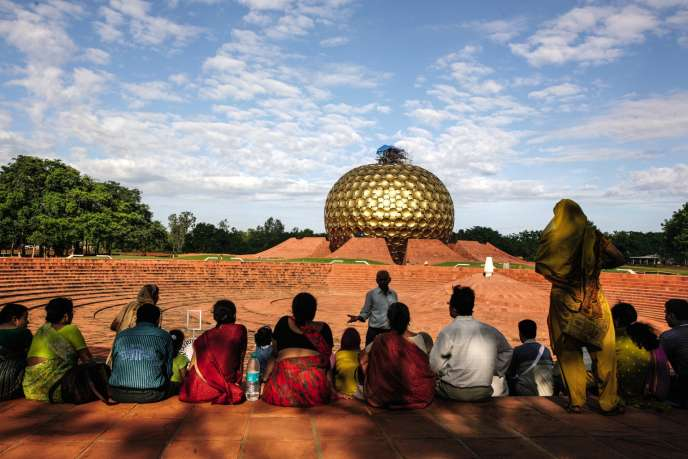 Le Matrimandir d'Auroville (Inde), bâtiment emblématiquede la communauté,consacré à la méditation.