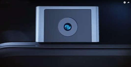 Le capteur photo escamotable du Vivo Apex.