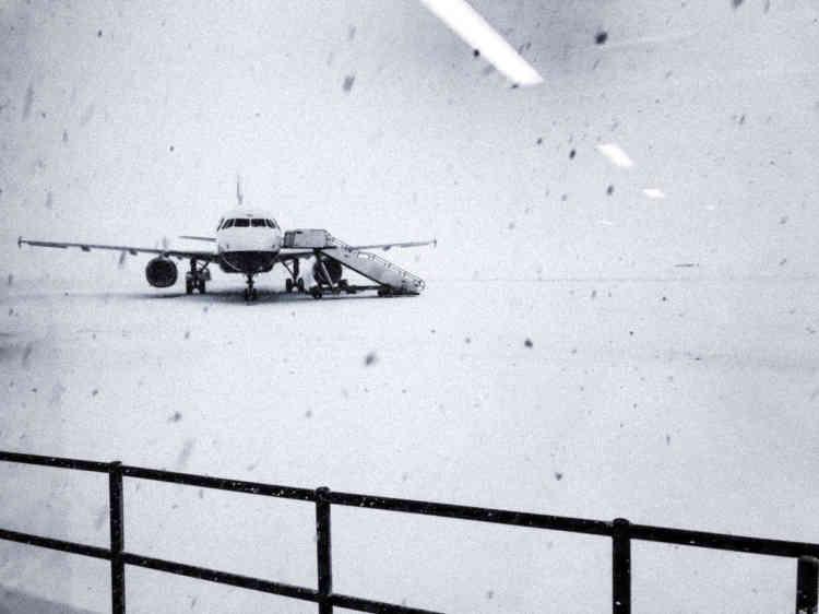 Sur le tarmac de l'aéroport de Glasgow, en Ecosse, le 28 février.