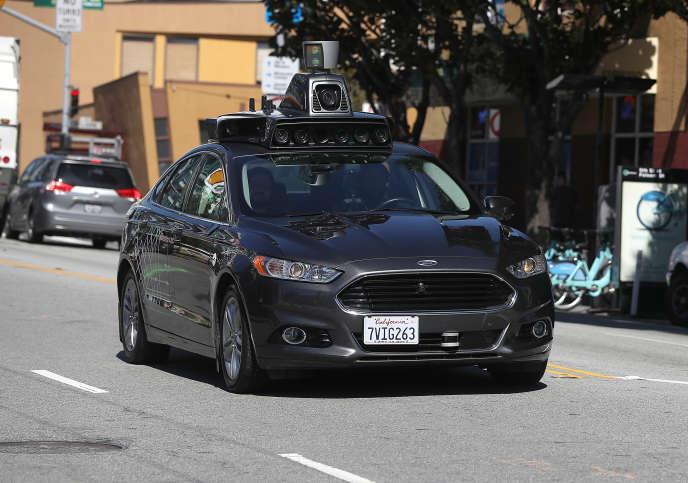 Un véhicule autonome d'Uber dans les rues de San Francisco, en Californie, en mars 2017.