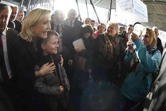 Marine Le Pen au Salon de l'agriculture le 28février.