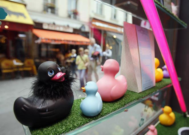 Les « love stores» se multiplient en France, comme ici à Paris, le 2 août 2007.