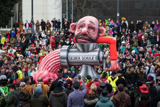 Caricature de Martin Schulz, au carnaval de Düsseldorf, le 12 février, veille de sa démission de la présidence du SPD.