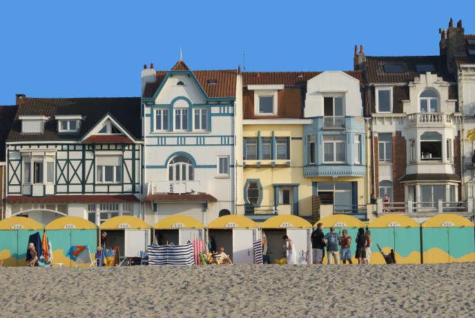 «Dunkerque» a été tourné dans le port et sur la jetée Est de la ville, la digue du Braek, l'aéroport et sur la plage de Malo-les-Bains.