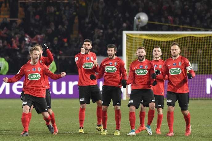 Les joueurs des Herbiers après leur qualification face à Lens, le 27 février.