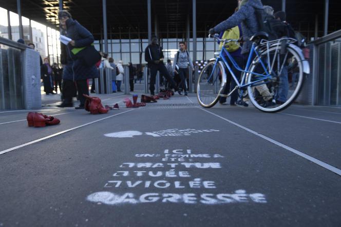 Manifestation contre les violences faites aux femmes, devant le tribunal de Nantes,en novembre 2017.