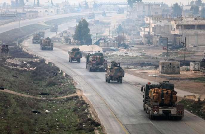 Un convoi militaire turc, à Idlib (Syrie), le 15 février 2018.