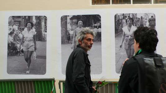 Fabien Breuvart a ouvert, il y a quatorze ans, Collected et autres photographies, une boutique de photos anciennes prises dans un cadre familial ou amical, chinées dans les brocantes et vide-greniers.